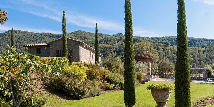 Luxury Casentino, Arezzo villa for 10 with pool in Tuscany