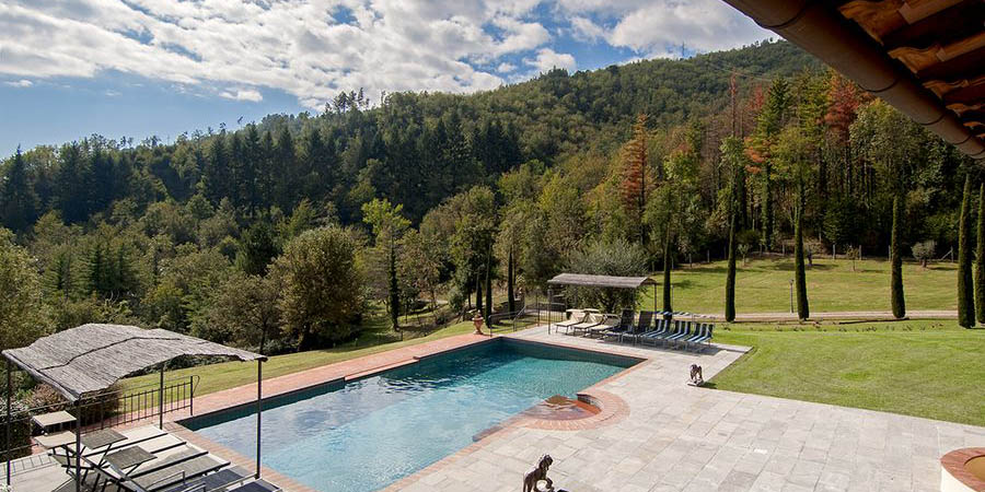 Luxury self catering holiday villa for 10, Casentino, Arezzo in Tuscany, Italy