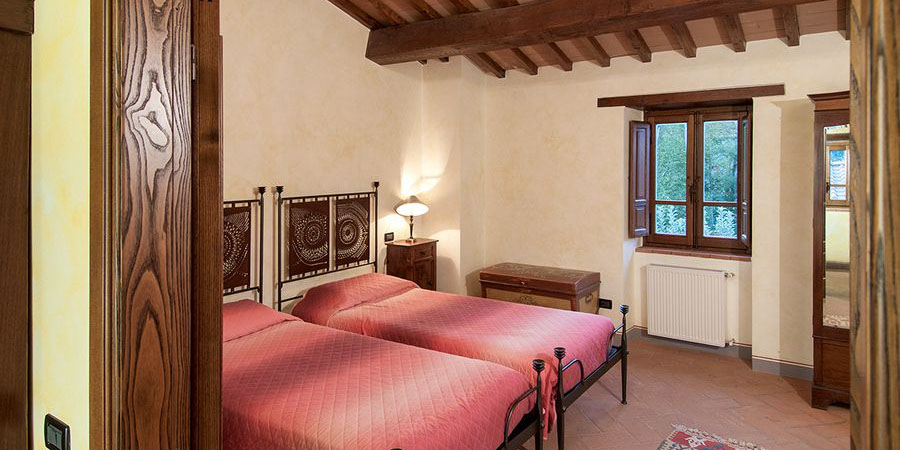 Luxury Tuscany villa with self catering holiday accommodation for 10, Casentino, Arezzo